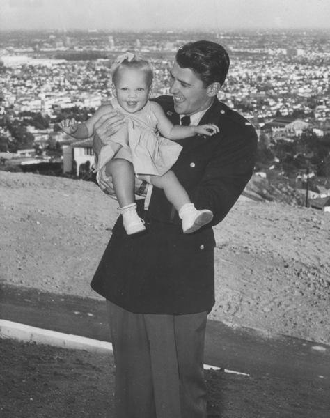 Ronald Reagan with daughter MaureenC. 1943MPTV - Image 0871_0079