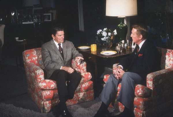 Ronald Reagan being interviewed by Vin ScullyC. 1980 © 1980 Gabi RonaMPTV - Image 0871_0161