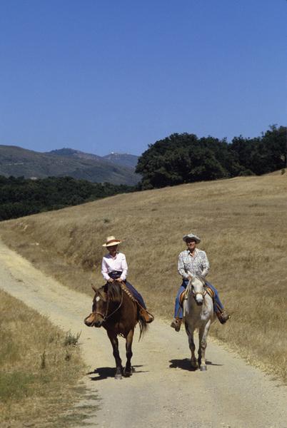 Ronald Reagan with wife, Nancy Reagan, at Rancho del Cielo in Santa Ynez, CA1980© 1980 Gunther - Image 0871_1598