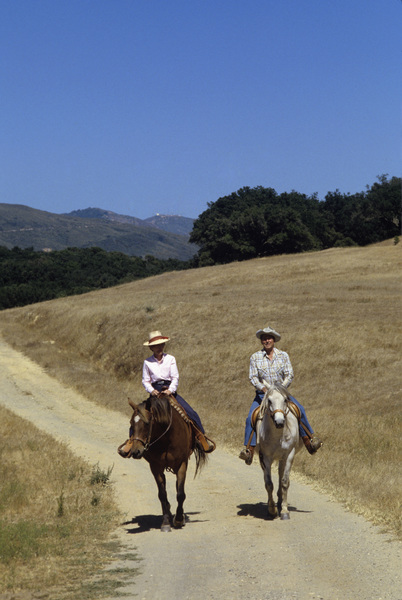 Ronald Reagan with wife, Nancy Reagan, at Rancho del Cielo in Santa Ynez, CA1980© 1980 Gunther - Image 0871_1598