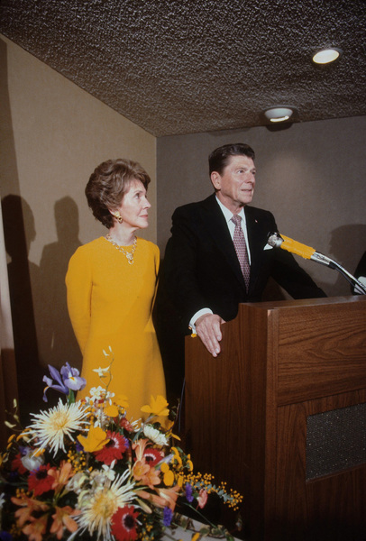 Ronald Reagan with wife Nancy Reagan1980 © 1980 GuntherMPTV - Image 0871_1630