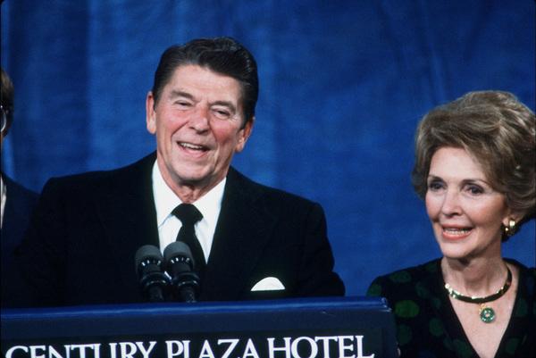 Ronald Reagan with wife Nancy Reagan at the CenturyPlaza HotelC. 1980 © 1980 GuntherMPTV - Image 0871_1638