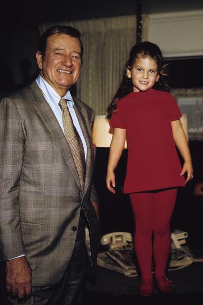 John Wayne and his daughter Marisa at home 1970 © 1978 David Sutton - Image 0898_3171
