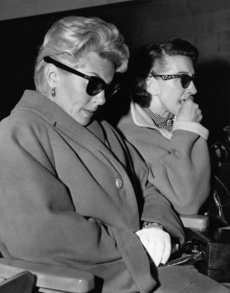Lana Turner and her mother, Mrs. Mildred Turner1958 - Image 0954_0728