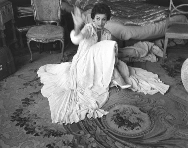 Sophia Loren, 1957. - Image 0959_0005