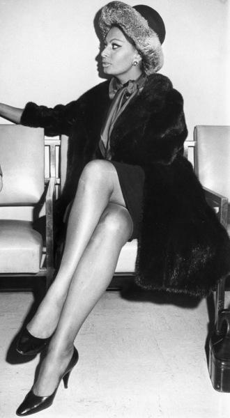 "Sophia Loren at the premiere of ""Dr. Zhivago,"" 1965. - Image 0959_2122"