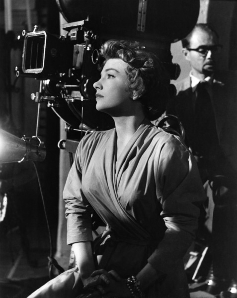 """Anne Baxter behind the scenes of """"Chase a Crooked Shadow""""1958 Warner Brothers - Image 0991_0034"""