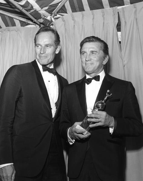 """""""Golden Globe Awards""""Charlton Heston, Kirk Douglas, 1968 © 1978 Larry Kastendiek - Image 10636_0011"""