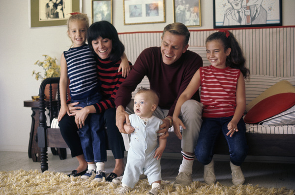 Jerry Van Dyke and his familycirca 1967© 1978 Gunther - Image 10735_0006