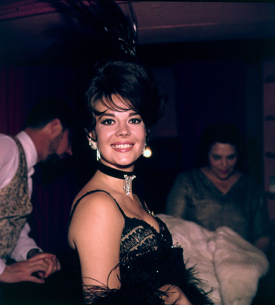 """Share Party"" Natalie Wood,1965. © 1978 Bernie Abramson - Image 10736_0001"