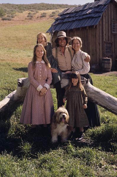 """Little House on the Prairie"" Rachel Lindsay Greenbush, Michael Landon, Melissa Sue Anderson, Karen Grassle, Melissa Gilbert 1974 ** H.L. - Image 10790_0042"