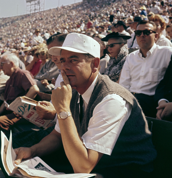 Glenn Ford at a 1959 World Series game between the Los Angeles Dodgers and Chicago White Sox © 1978 Bernie Abramson - Image 10803_0003