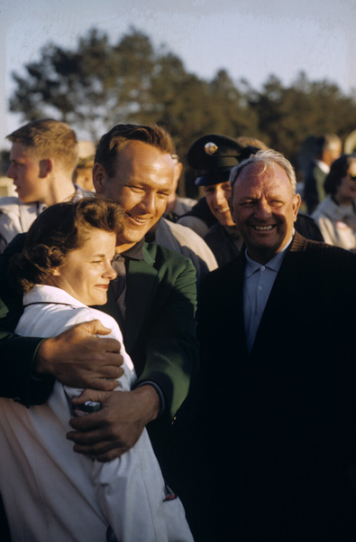 Arnold Palmer and his wife, Winifred Walzer, at the Masters Tournamentcirca 1960© 1978 Gunther - Image 10864_0034