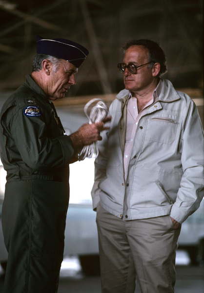 """""""The Right Stuff""""General Chuck Yeager, producer Robert Chartoff1983 Warner© 1983 Ron Grover - Image 11824_0007"""