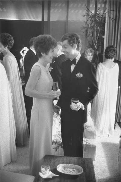 Bloomingdale PartyNancy Reagan with couture designer John Galanos1967 © 1978 Bob Willoughby - Image 11835_0003