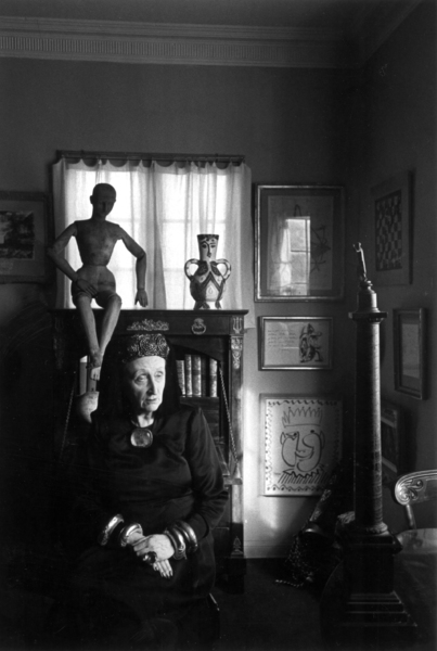 Edith Sitwellc. 1950Photo by Sanford Roth © 1998 Los Angeles County Museum of Art - Image 12058_0004