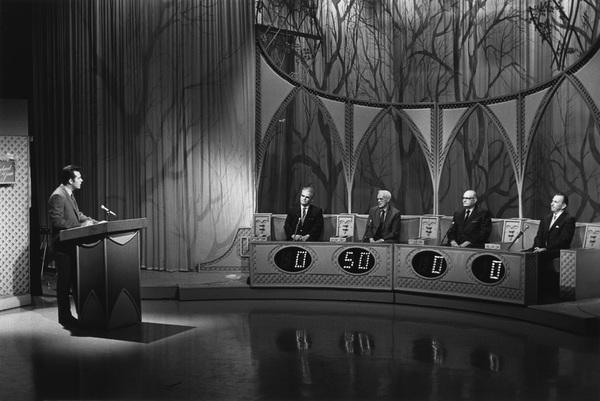 """The Newlywed Game""Host Bob Eubanks1967Photo by Bert Mittleman - Image 12136_0002"