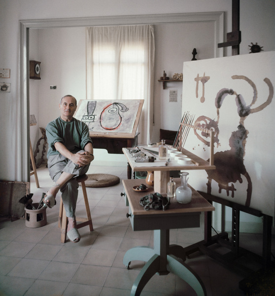 Joan Miro in his Barcelona studio 1955 © 2011 Mark Shaw  - Image 12410_0024