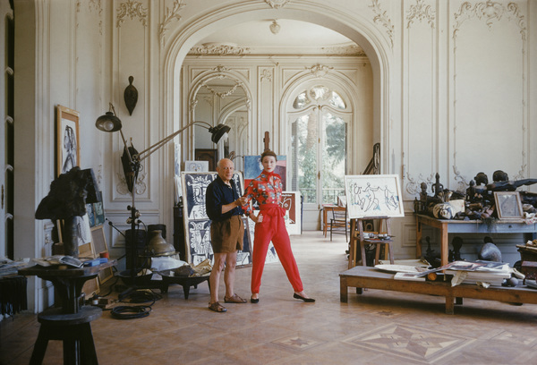 Pablo Picasso with French model Bettina Graziani in his Cannes Villa, La Californie 1955 © 2011 Mark Shaw - Image 12509_0024