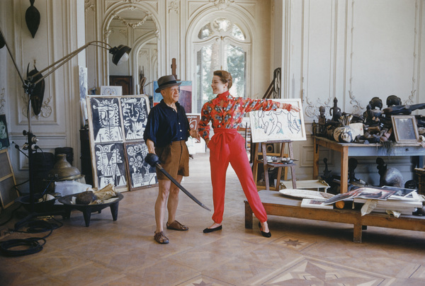 Pablo Picasso with French model Bettina Graziani in his Cannes Villa, La Californie 1955 © 2011 Mark Shaw - Image 12509_0025