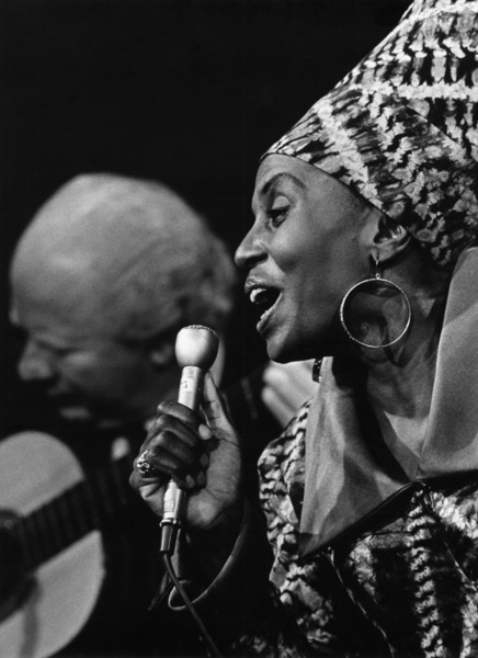 Miriam Makeba performing in New York1962 - Image 12586_0012