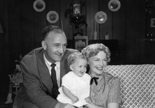 Tom Harmon, Elyse Knox and their son, Markcirca 1950s© 1978 Sid Avery - Image 12980_0007