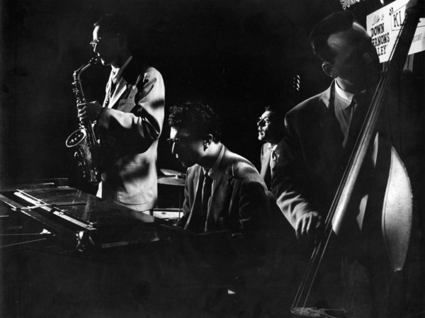 Dave Brubeck (piano) and Paul Desmond (sax), 1954. © 1978 Bob Willoughby / MPTV - Image 13303_5