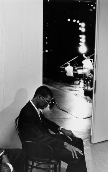 """Marcus Roberts backstage at the """"Jazz Gipfel"""" concert, Stuttgart, Germany, 1992. © 1978 Bob Willoughby / MPTV - Image 13365_41"""
