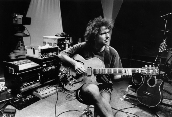 """Pat Metheny at the sound check for at the """"Jazz Gipfel"""" concert, Stuttgart, Germany, 1992. © 1978 Bob Willoughby / MPTV - Image 13398_9"""