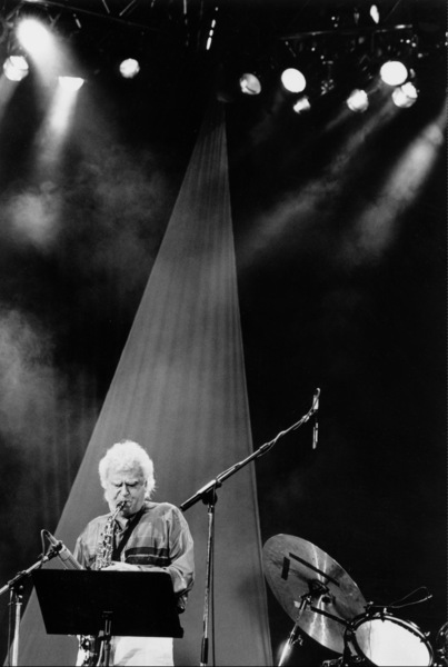 """Charlie Mariano with the Rabih Abou-Khalil Perfurme Project at the """"Jazz Gipfel"""" concert, Stuttgart, Germany, 1992. © 1978 Bob Willoughby / MPTV - Image 13400_5"""