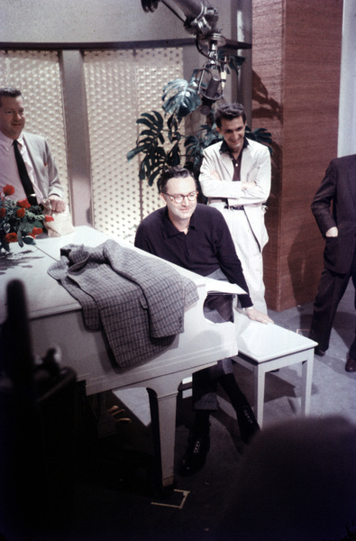 """""""Steve Allen Show, The""""Steve AllenFeb. 1958/NBCPhoto by Gerald Smith - Image 13414_0006"""