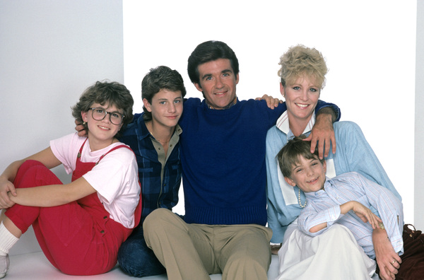 """""""Growing Pains""""Tracey Gold, Kirk Cameron, Alan Thicke, Joanna Kerns, Jeremy Miller1985 © 1985 Mario Casilli - Image 14114_0011"""