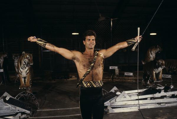 "Lorenzo Lamas on ""The 11th Annual Circus of the Stars""1986© 1986 Gene Trindl - Image 14167_0026"