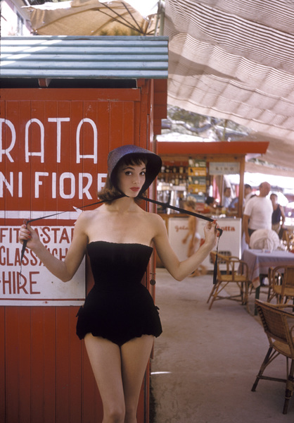 Elsa Martinelliin Portofino, Italy1/10/1955 © 1978 Mark Shaw - Image 16013_0009