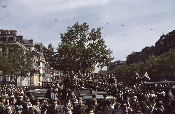 World War II crowd on V-E Day in France / Shot with experimental German color negative film / 1945 © 1978 Sid Avery - Image 16069_0001