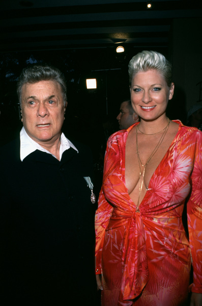"""Night of One Hundred Stars,""Tony Curtis & wife Jill.  3/26/00 © 2000 Scott Weiner - Image 16467_0007"