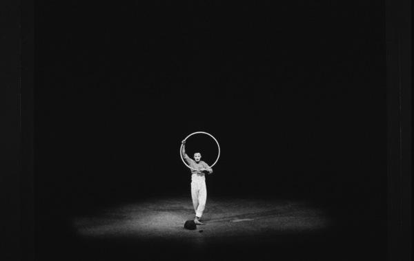 Marcel Marceau in Paris, 1952. Photo: Ernest Reshovsky © 1978 Marc Reshovsky - Image 16558_0004