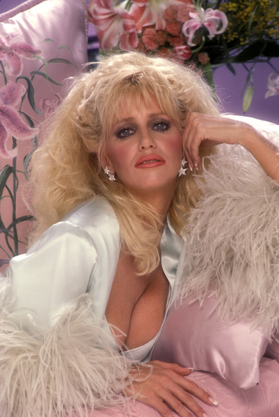 """""""Hollywood Wives""""Suzanne Somers1985 © 1985 Mario Casilli - Image 16716_0011"""
