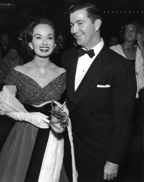 Ann BlythAcademy Awards: 26th Annual, 1954.**I.V. - Image 17172_0002