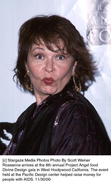 """Roseanne""""Divine Design Gala - 8th Annual,"""" 11/30/00. © 2000 Scott Weiner - Image 17334_0109"""