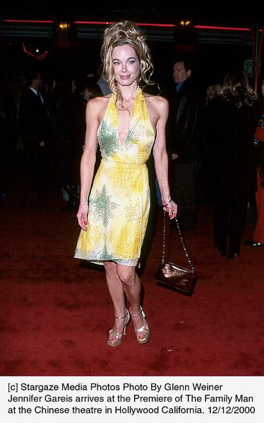 """Jennifer Gareis""""Family Man, The"""" Premiere, 12/12/00. © 2000 Glenn Weiner - Image 17355_0107"""