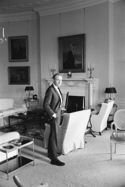 Photographer Mark Shaw in the White House1961© 2012 Mark Shaw - Image 17397_0004