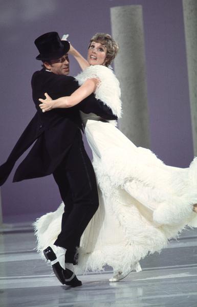 """""""The Julie Andrews Hour""""Julie Andrews1972 **H.L. - Image 17461_0007"""