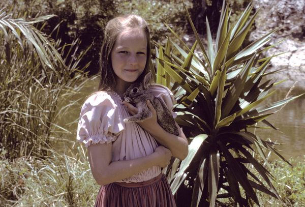 """Swiss Family Robinson""Helen Hunt1975**H.L. - Image 17501_0012"