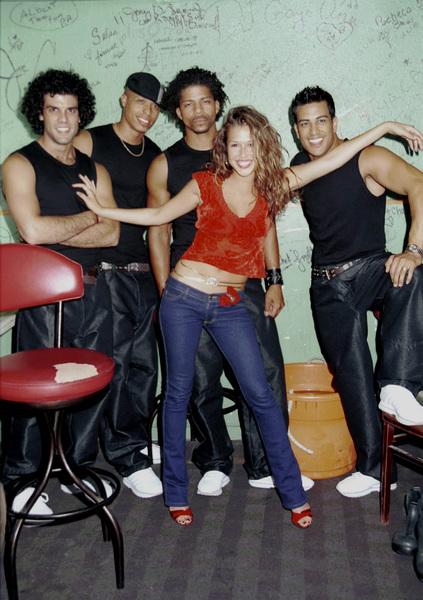 Joy Enriquez and dancersLatin Grammy 2000: Conga Room © 2000 Ariel Ramerez - Image 18052_0106