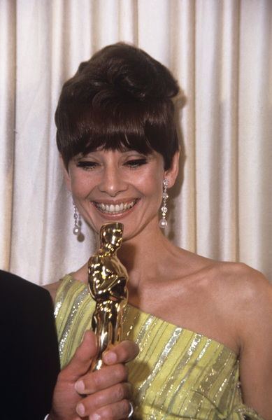 """Academy Awards: 39th Annual""Audrey Hepburn1967© 1978 David Sutton - Image 1808_0001"