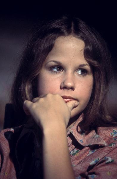 """""""Sweet Hostage""""Linda Blair1975** H.L. - Image 18184_0005"""
