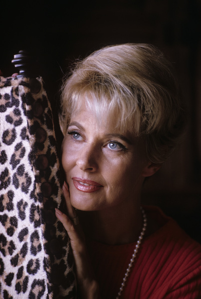 Lola Albright at homeNovember 1965© 1985 Gene Trindl - Image 2008_0017
