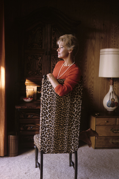 Lola Albright at homeNovember 1965© 1985 Gene Trindl - Image 2008_0018