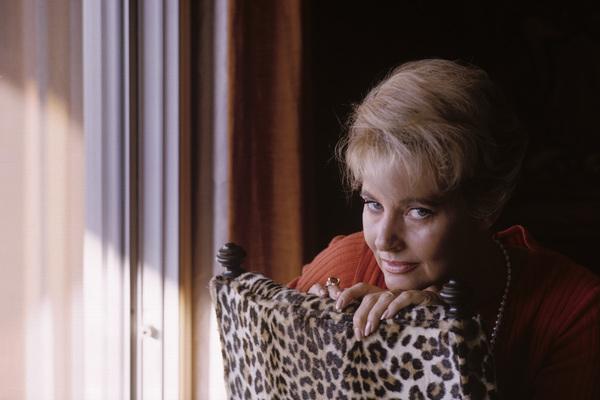 Lola Albright at homeNovember 1965© 1985 Gene Trindl - Image 2008_0020